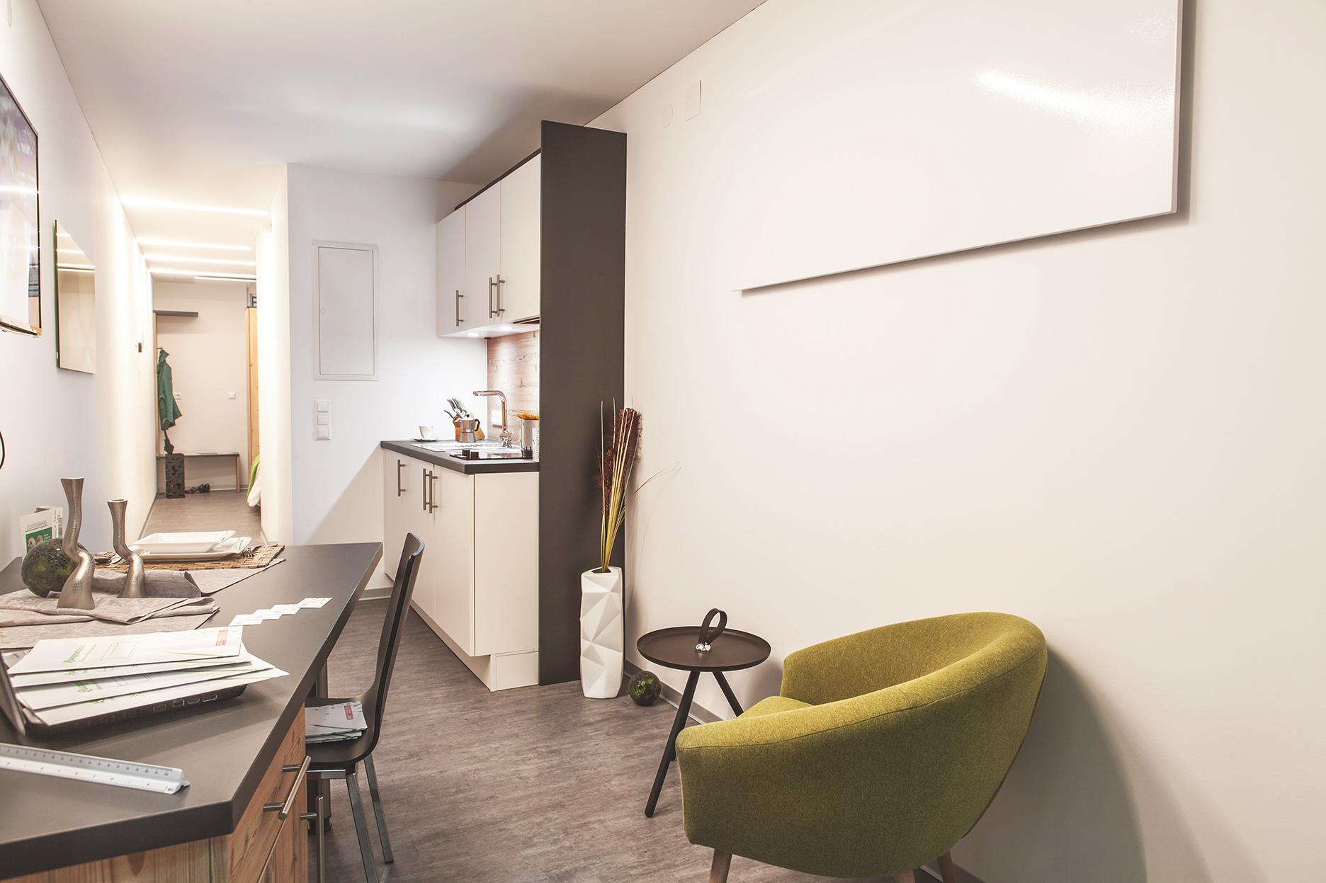 McIron Inneneinrichtung Innenausstattung interior design Livingcontainer